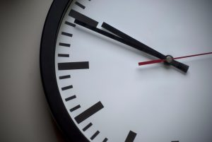 Clock - What time is best to sell your car