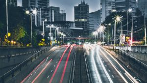 Busy city road - Top 3 reasons to sell your car For cash